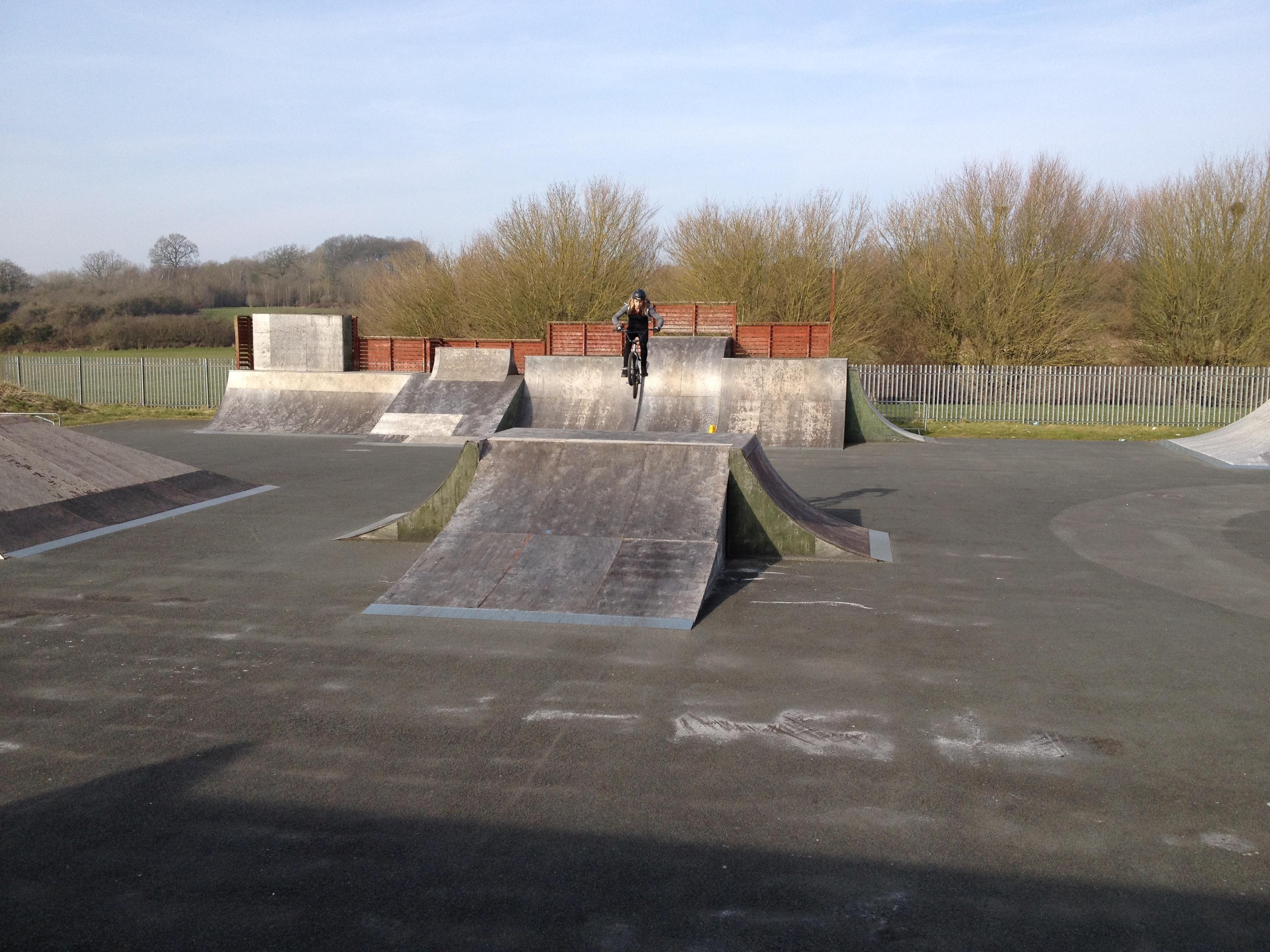 juliet elliott bmx redditch skatepark