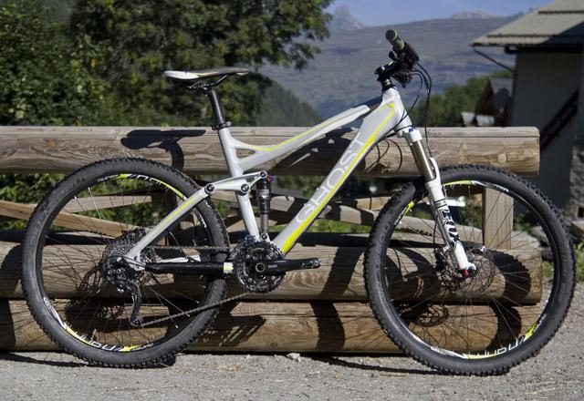 Ghost-miss-full-bike-ed